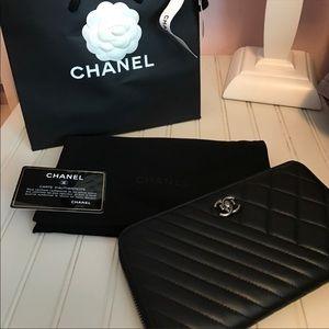 Brand new Chanel Boy wallet